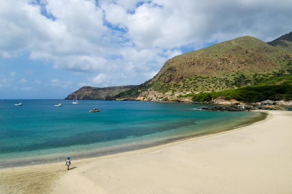Vista da belíssima praia do Tarrafal, extremo norte da ilha de Santiago (3)